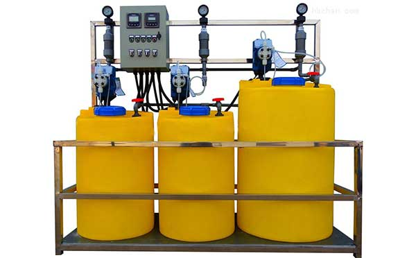 循环水加药装置